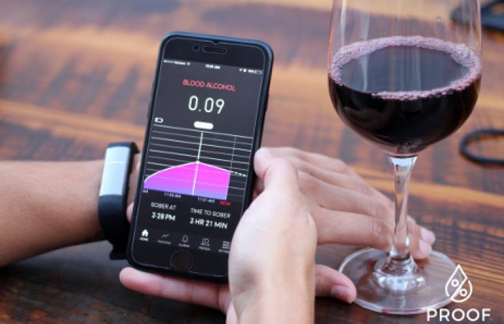 Hightech-Armband misst Alkohol im Blut