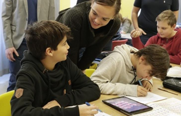 Schulpartner fordern mehr Ressourcen für digitale Bildung