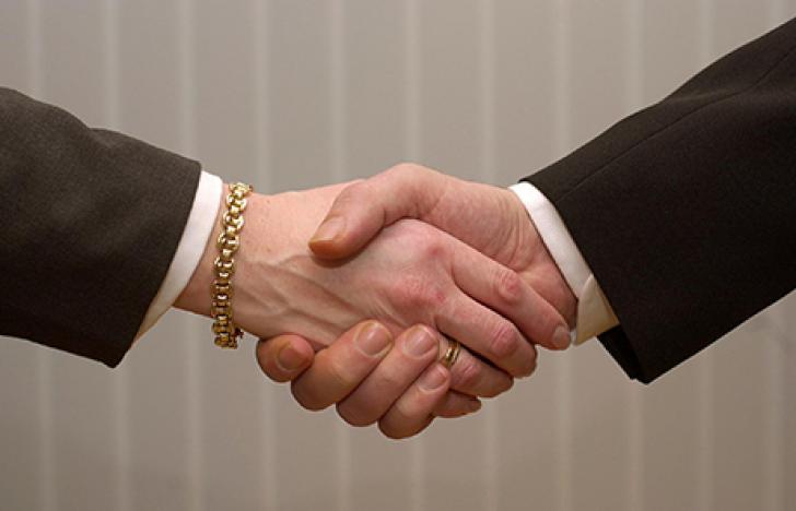 Cosmo Consult übernimmt Mehrheit von ACP Business Solutions
