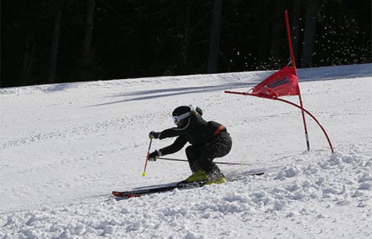 Skibindungen führen bei Frauen häufiger zu Knieverletzungen