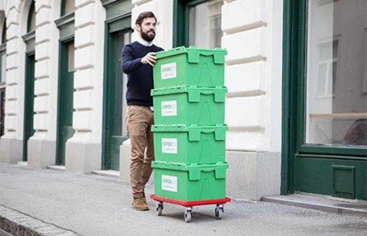 Praktische Kisten mit Packern inklusive