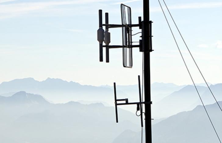 Abhörsicheres Telefonieren über Kontinente