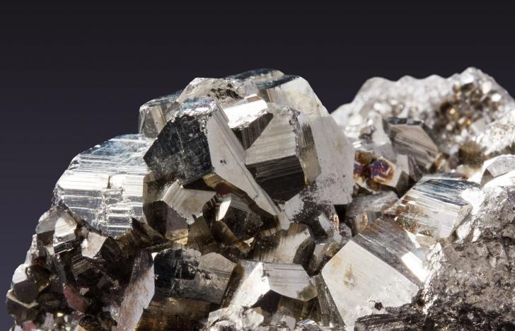 Wirtschaftsorientierte Forschung zu Eisen und Phosphaten